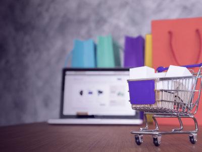 como fazer compras usando as redes sociais